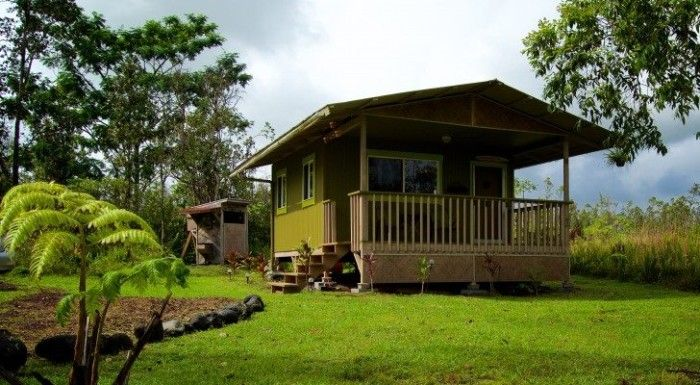 These 8 Awesome Tiny Homes In Hawaii Will Make You Want One Hawaii Tiny House Off Grid House Hawaii Homes