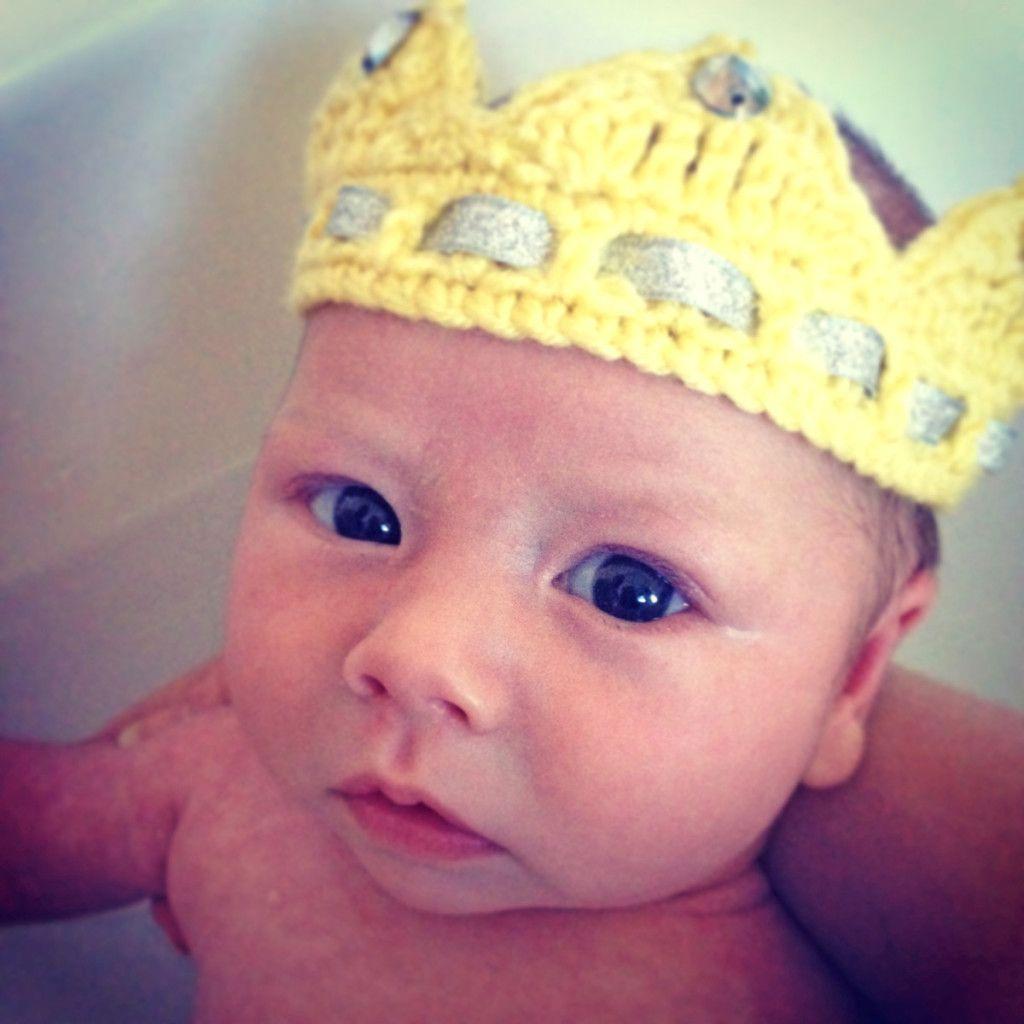 Baby Crown Crochet Pattern - Hobbycraft Blog #crownscrocheted