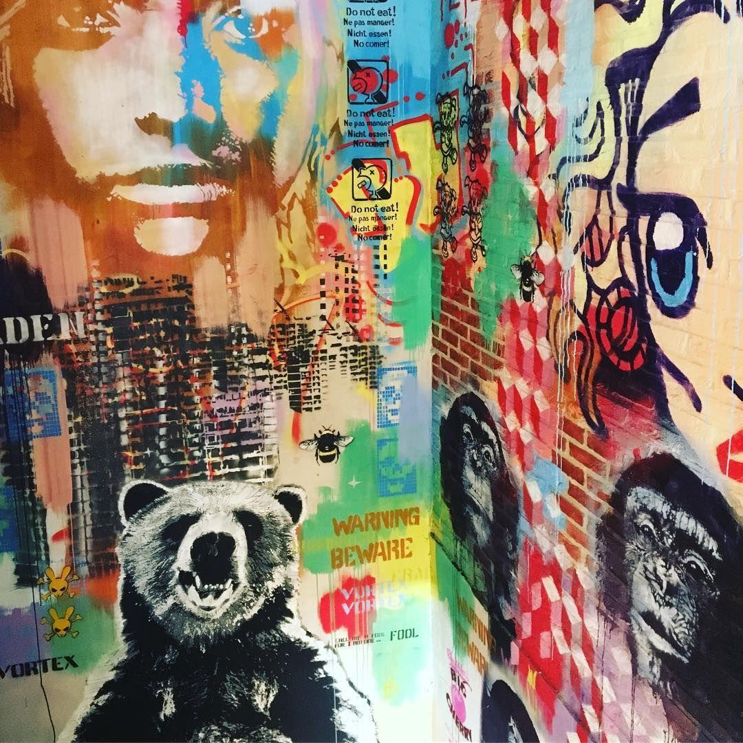 Zimmerwand graffiti dit is nog is fijn op de wand in je kantoor werkelijk een super