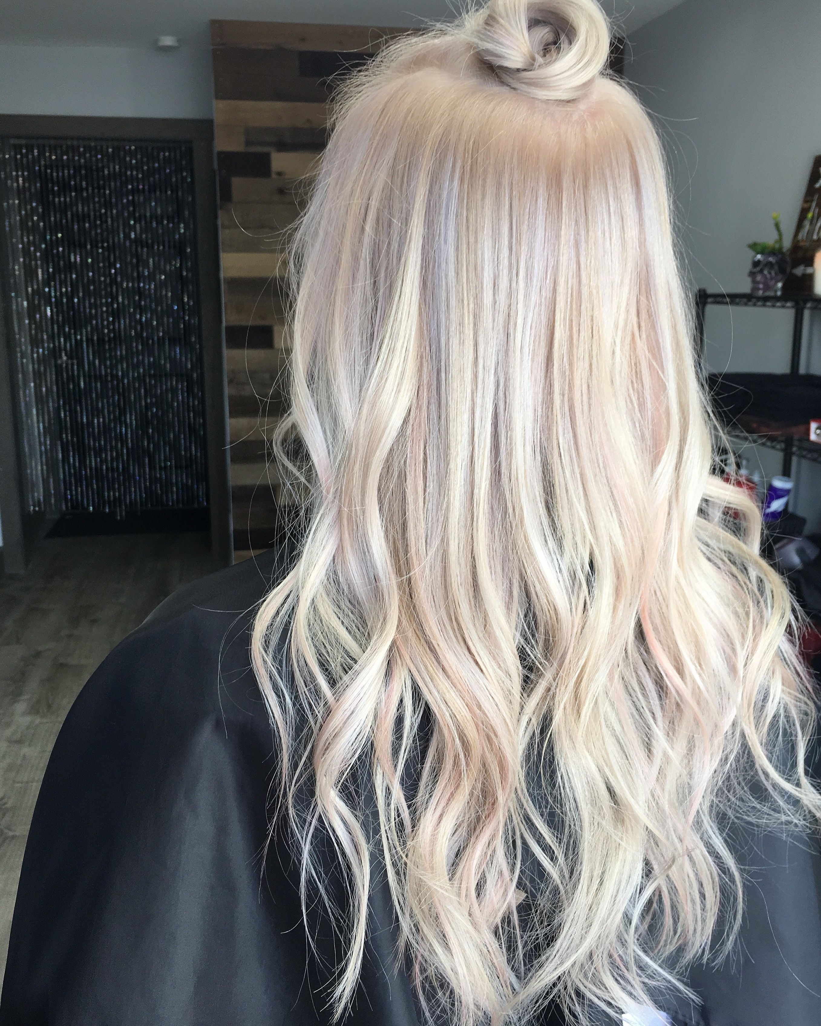 How To Get the Platinum Blonde of Your Dreams h a i r Pinterest