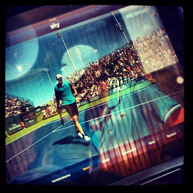 Isner playing on iPad #IndianWells #matchpoint