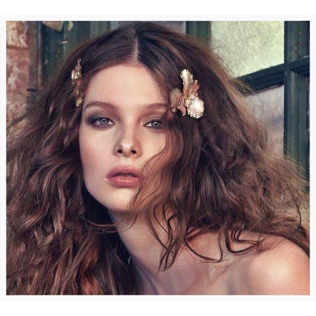 Today's details in #BridalBeauty: #OrchidFlowerPin 🌸🌸🌸Wear one or scatter a…