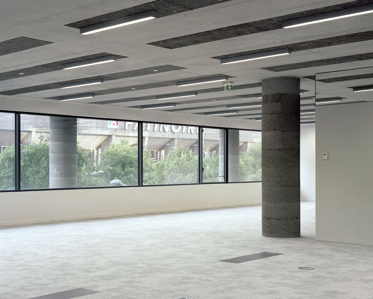 Office building lyon confluence Îlot a3 © maxime delvaux bureaux