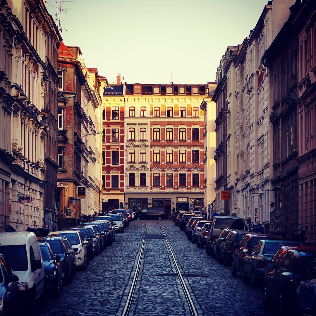 Connewitz On Instagram Wo Frau Krause Wohnt Simildenstrasse Simildenstrasse Fraukrause Architecture Urban Conn Instagram Instagram Posts Street View
