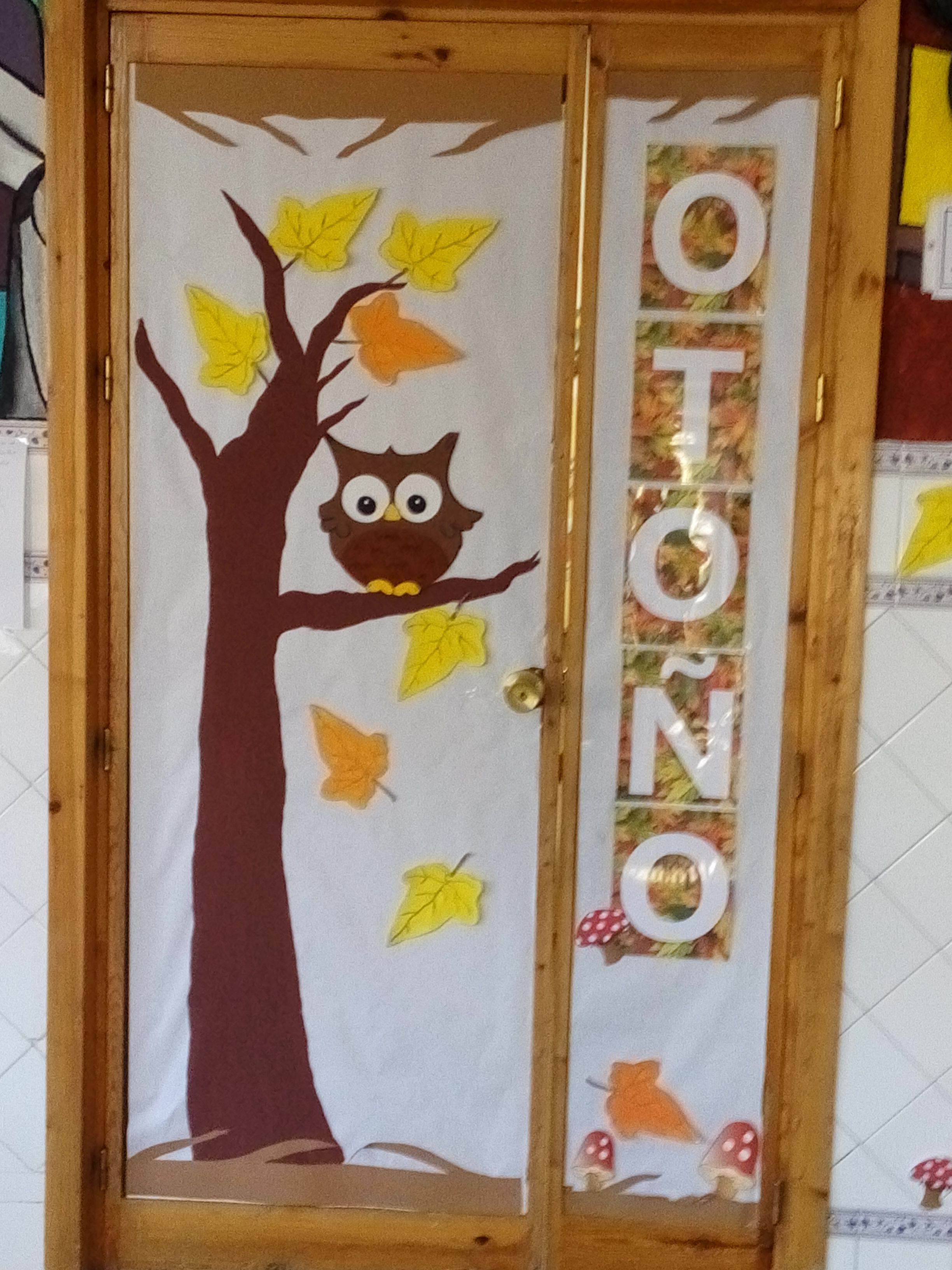 Puerta de la clase en oto o oto o pinterest puerta for Decoracion puerta otono