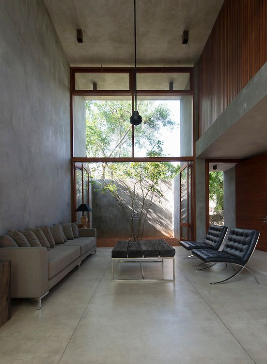 The Urbal Slice House. Rajagiriya Architect: Palinda ...