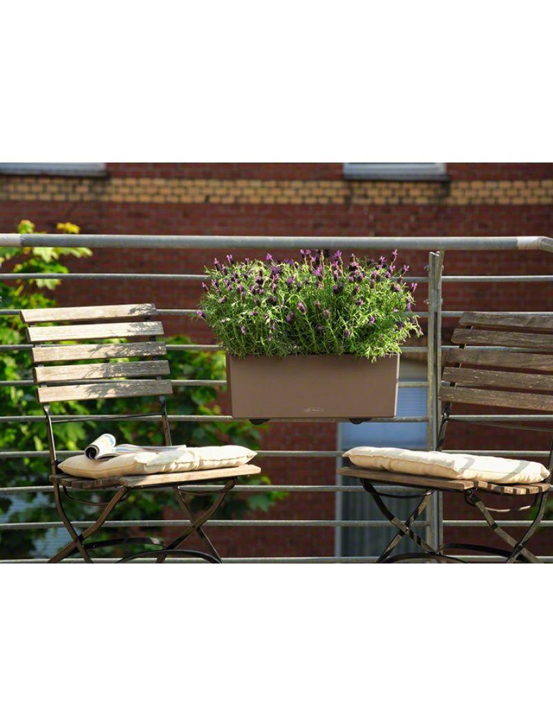 Plus qu\'un simple pot de fleurs, la balconnière Balconera Color ...