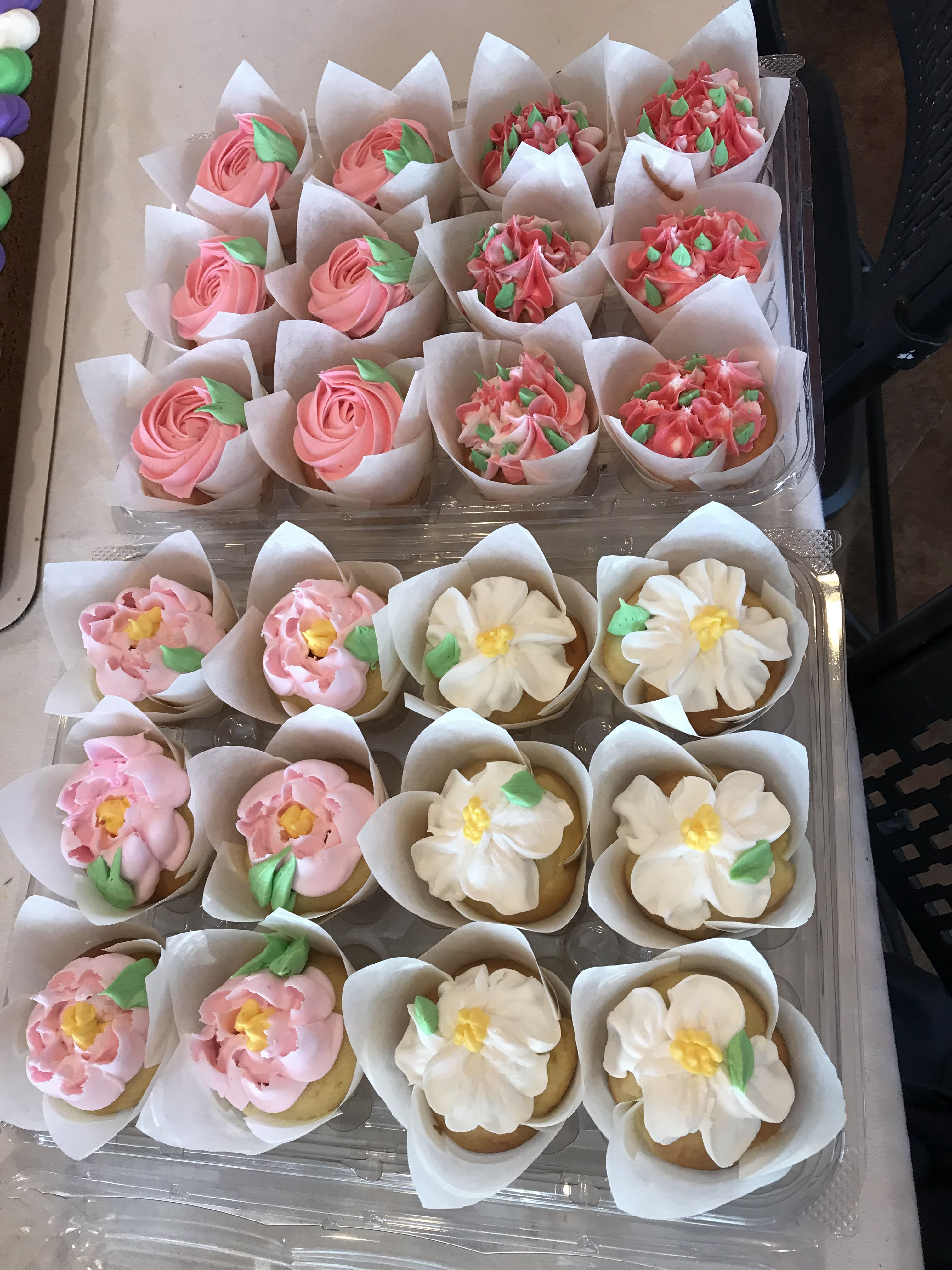 Floral Shabby Chic Pink White Cupcakes Tulip Liners Sweet Dreams Bakery Buttercream Decorating Shabby Chic Cupcakes