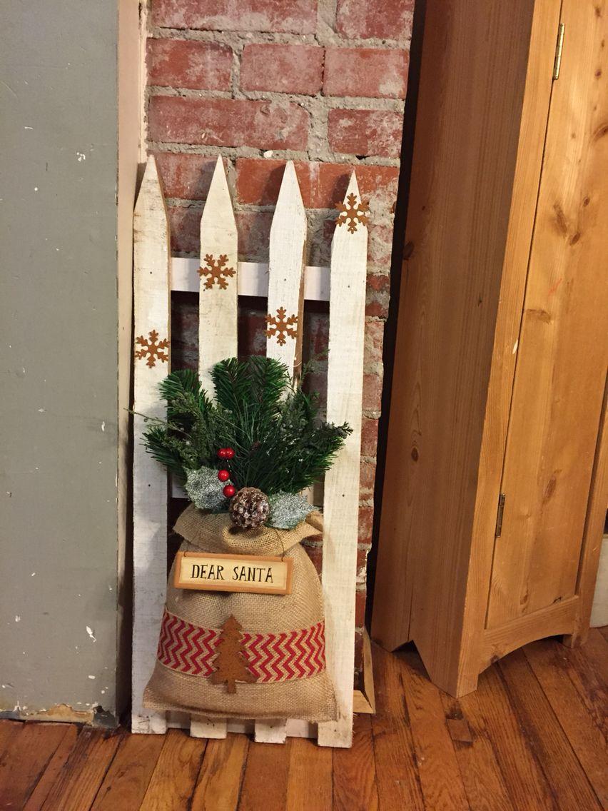 Christmas Fence 2