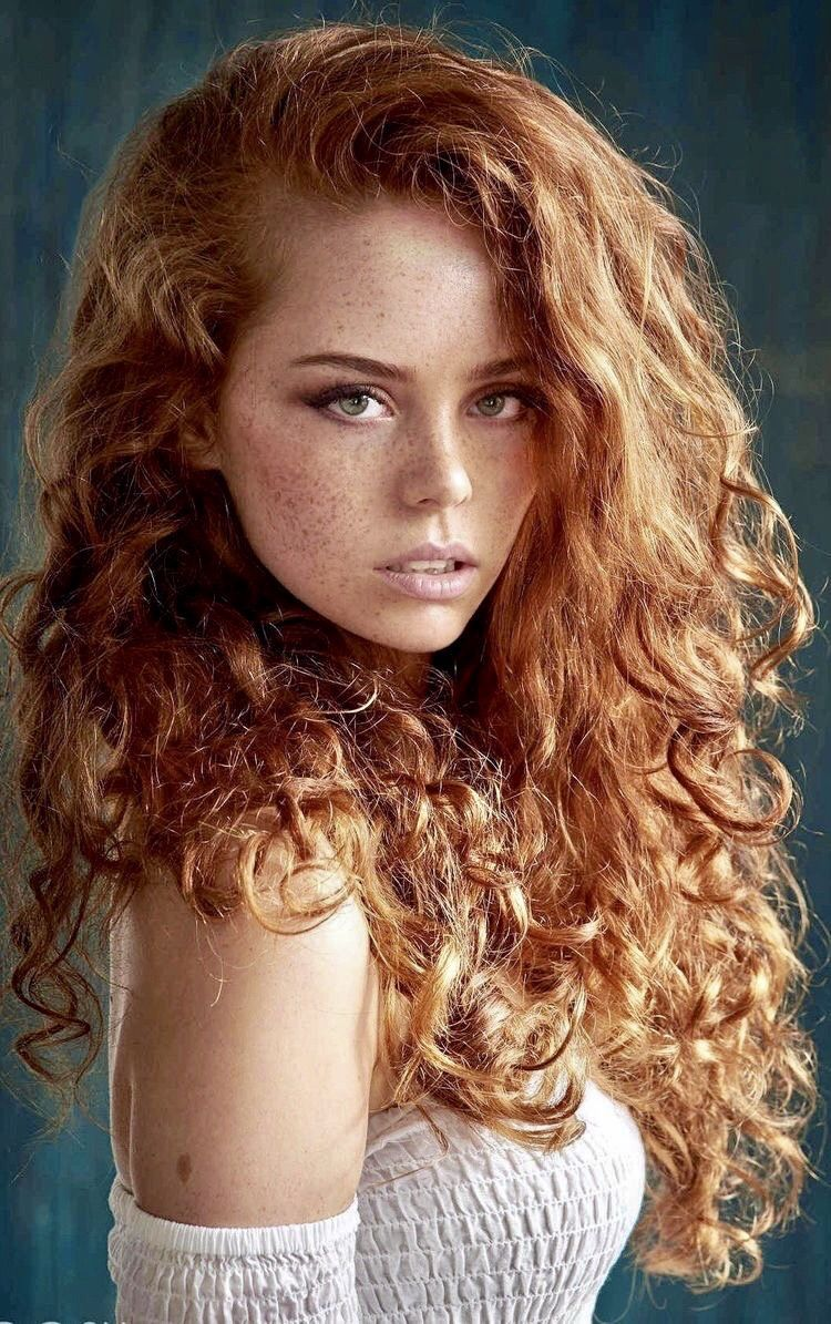 The Best Seductor Fragrance Of An Ancestral Legacy Ancestral Fragrance Legacy Seductor In 2020 Redhead Hairstyles Redhead Makeup Pretty Redhead