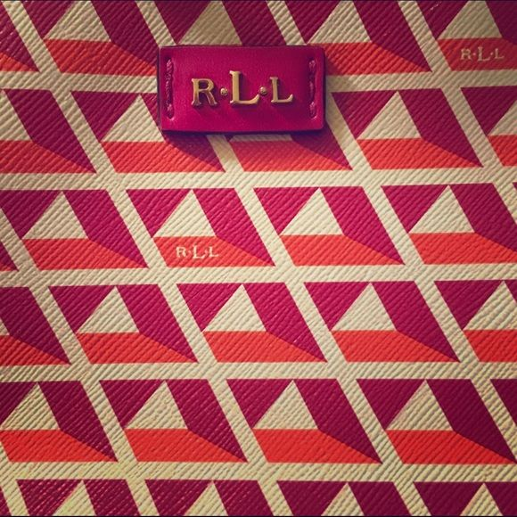 Chic Ralph Lauren crossbody Gorgeous Fushia and Mandarin colours. Perfect fun accessory for spring ☀️and summer. Small, but has enough room for phone, wallet, and essentials.  EXCELLENT condition, no scratches on hardware. Ralph Lauren Bags Crossbody Bags