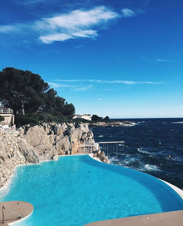 Kendall Paradise Hotel Instagram