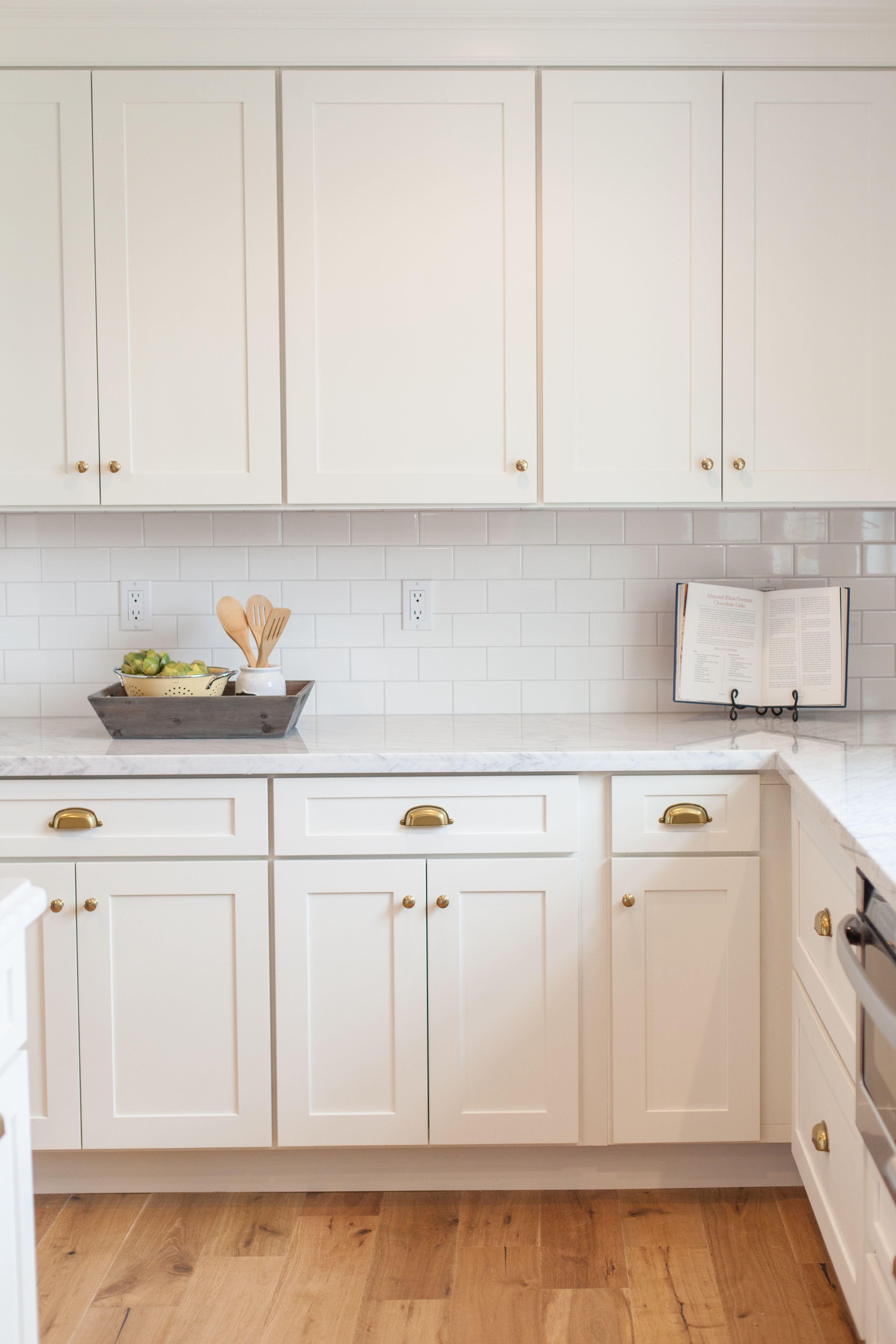 For Vintage White Kitchen Cupboards Kitchen Cabinet Styles White Modern Kitchen Shaker Style Kitchen Cabinets