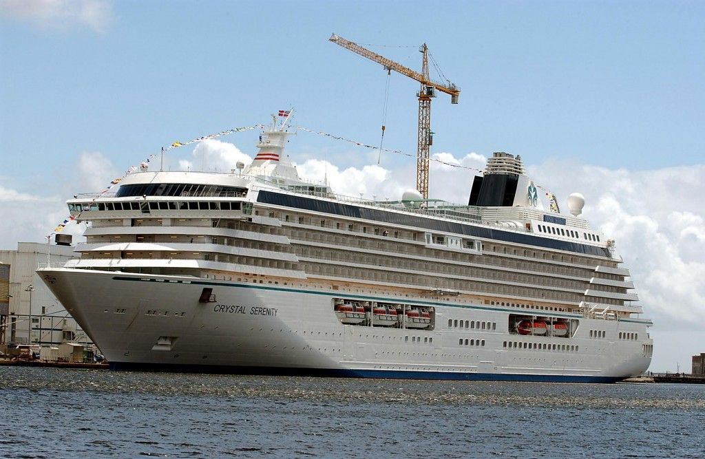 Giant Cruise Ship Starts First-Ever Arctic Journey   LUXUO