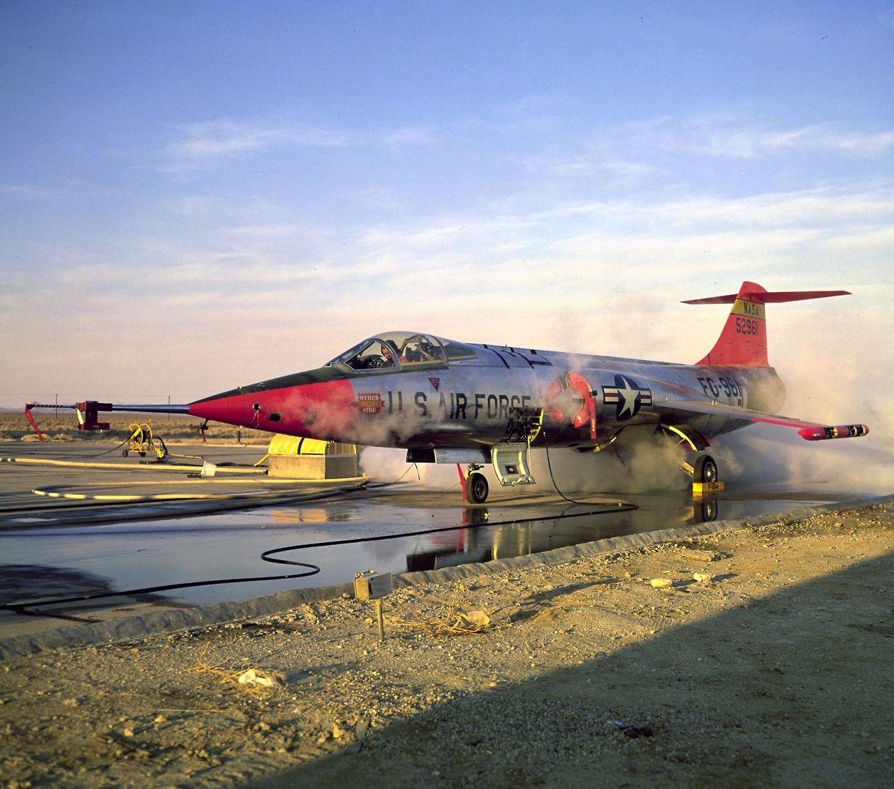 supersonic-youth: Su-25   Aerei militari, Militari, Aereo
