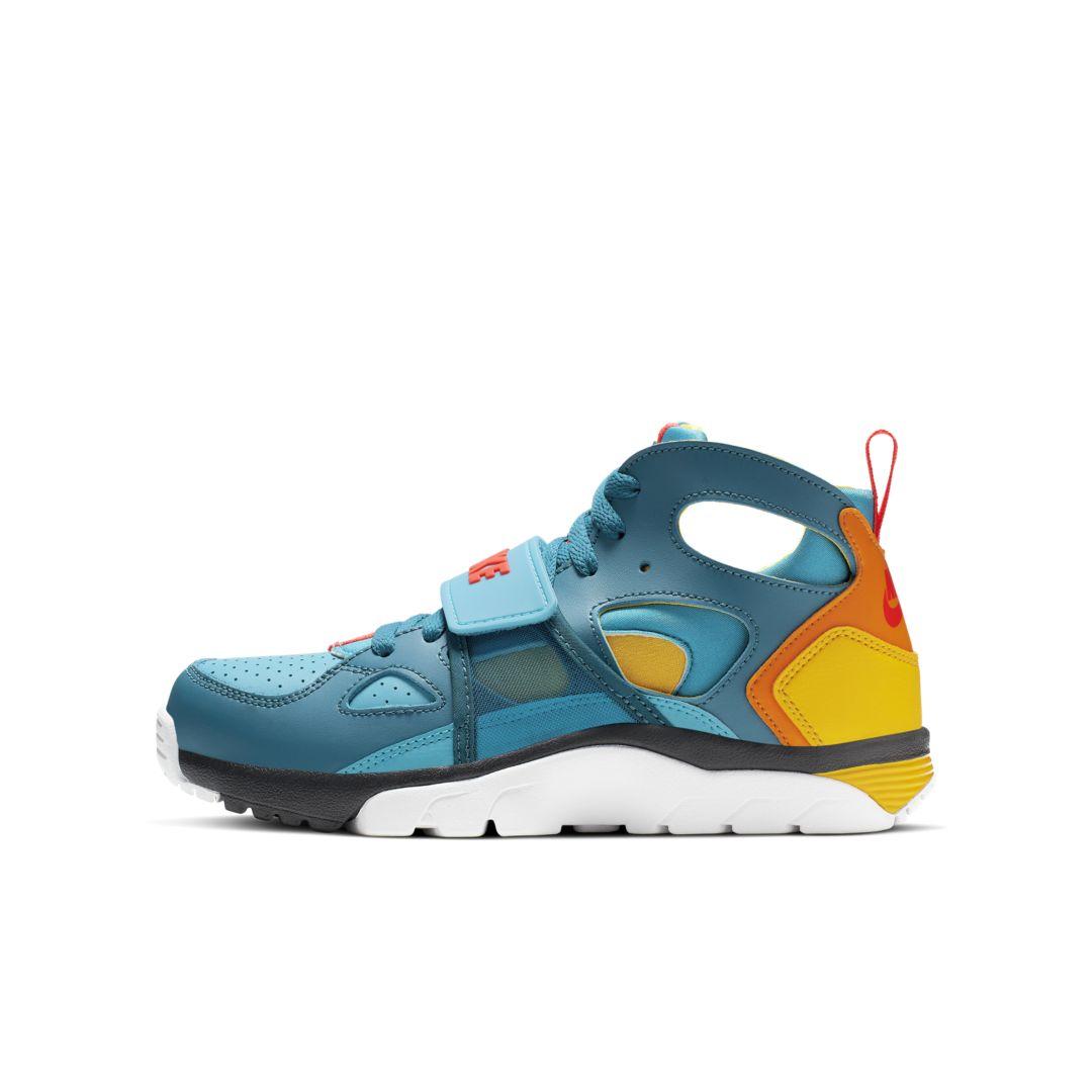 Nike Trainer Huarache Big Kids' Shoe Size 3.5Y (Green Abyss)