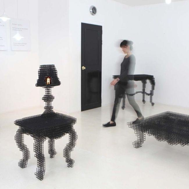 Designermöbel aus Drahtgitter schimmern wie dynamische Nachbilder - bunte hocker designs streichen technik
