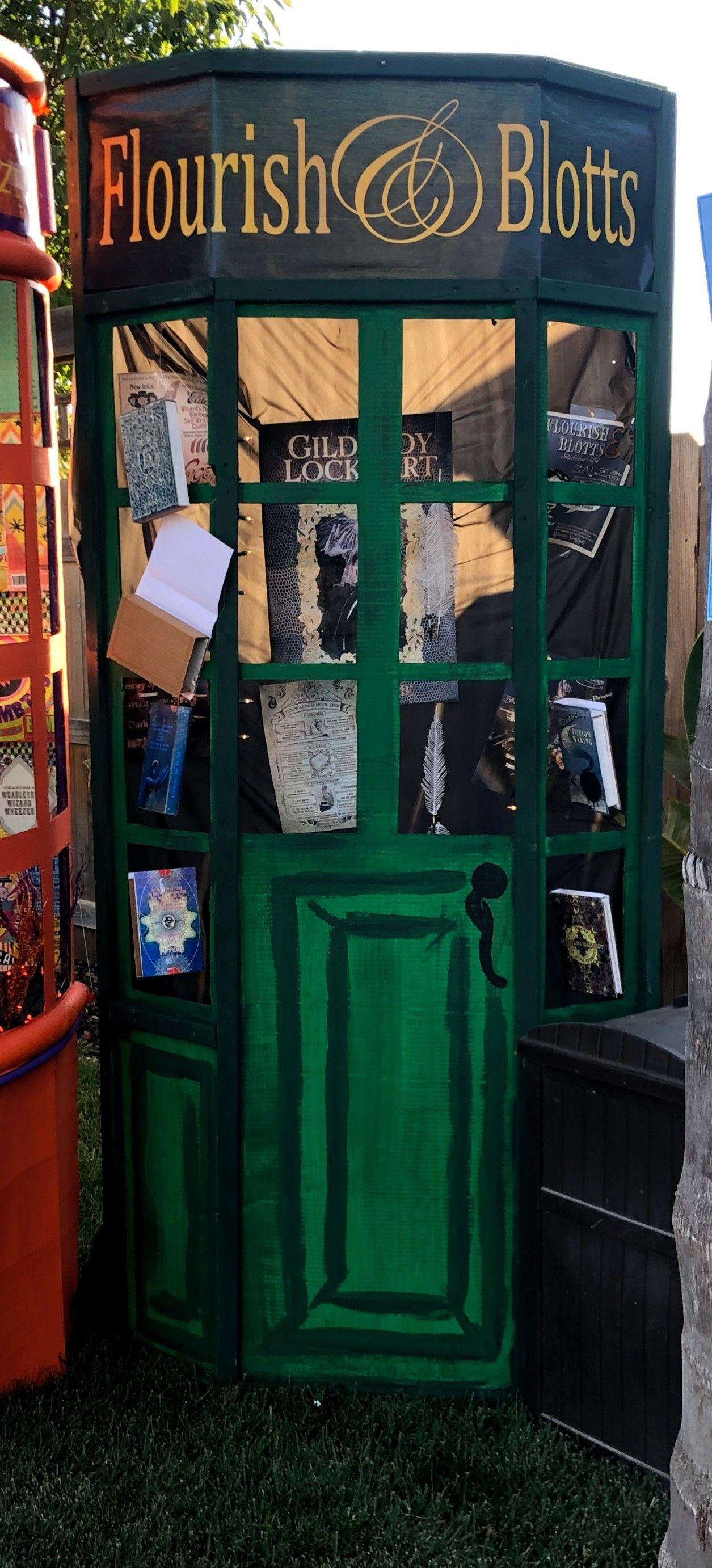 Flourish Blotts At Universal Orlando Harry Potter Universal Studios Harry Potter Universal Universal Studios Orlando