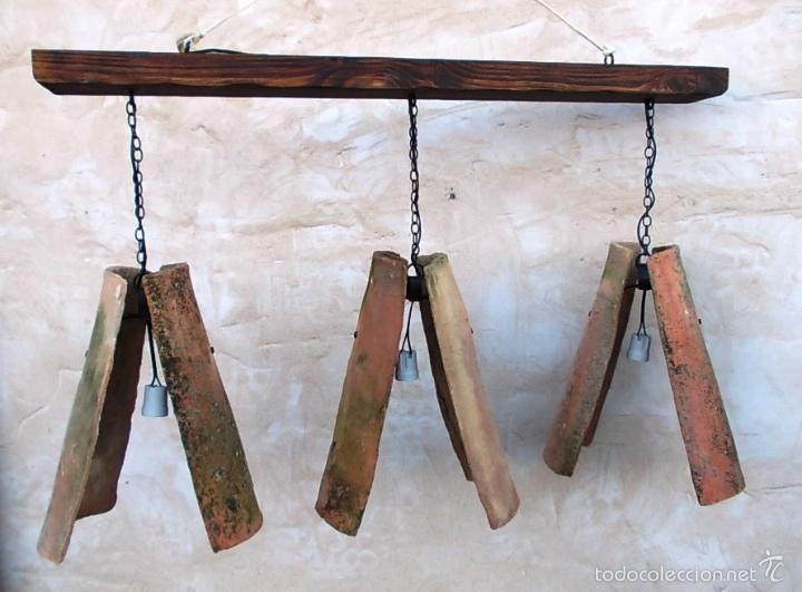 lampara de tejas con puntos de luz y viga de madera apli vintage