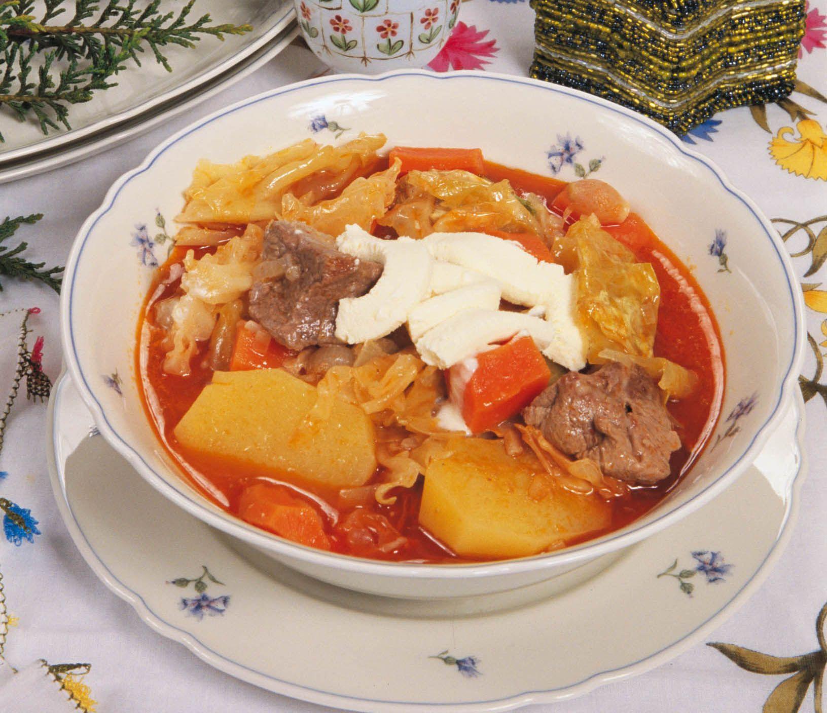 Borsch: etli klasik bir tarif. Borsch nasıl pişirilir: adım adım tarifi