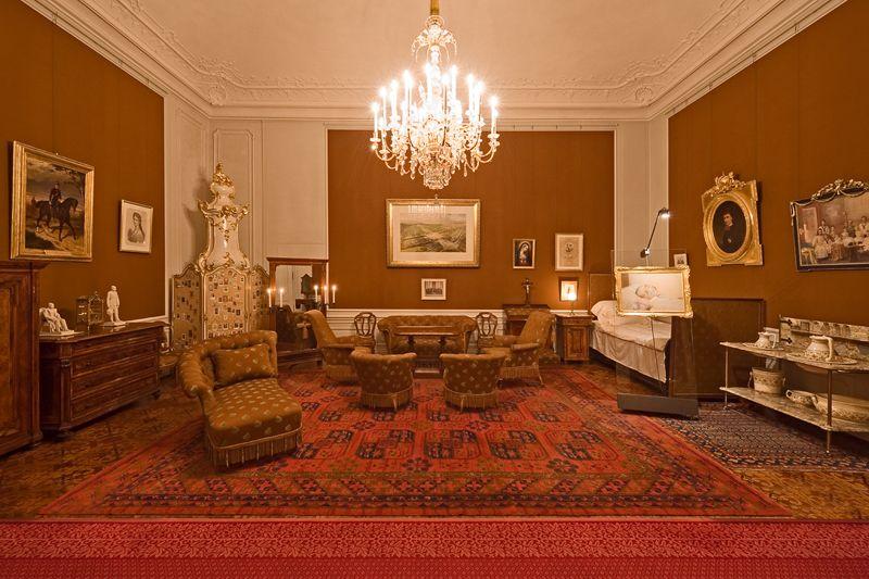 Schlafzimmer Franz Josephs - http://www.schoenbrunn.at/wissenswertes ...