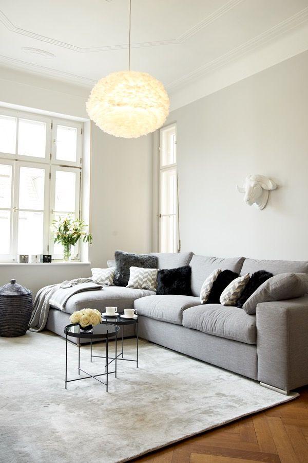 grau und gem tlich ein graues ecksofa macht sich hervorragend als ruhepol in jedem ambiente. Black Bedroom Furniture Sets. Home Design Ideas