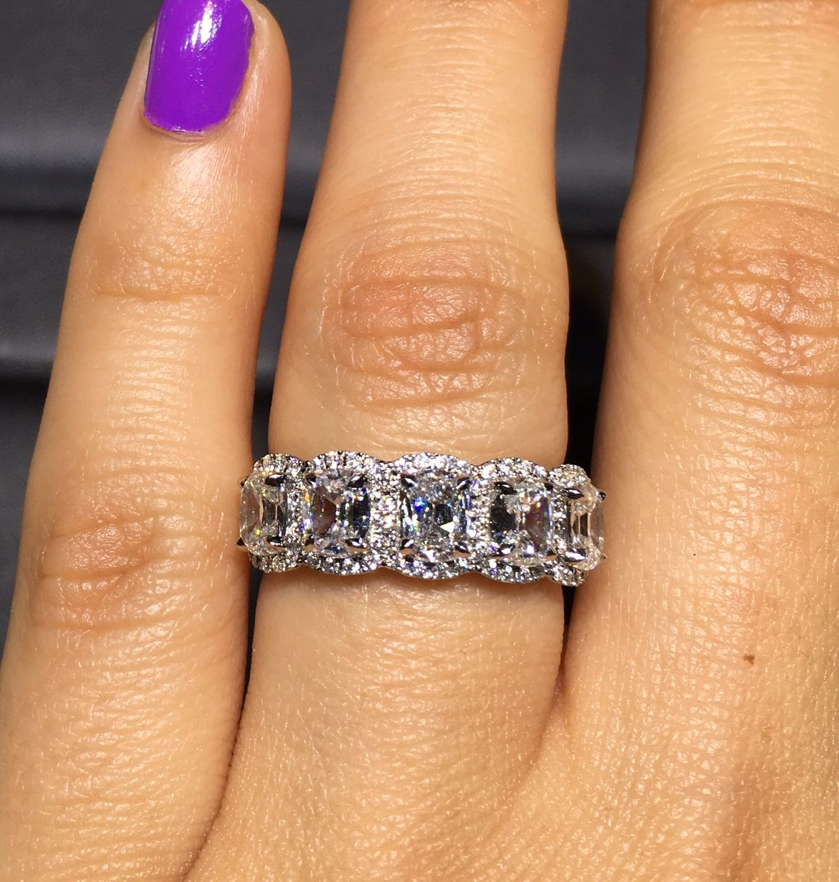 Henri Daussi Bands 5 Stone Diamond 1.97ctw Diamond