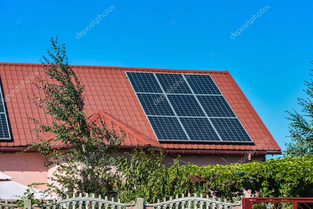 Solar Panels On The Roof Of A Country House Environmental Production Of Solar E Affiliate Roof Country Solar Panel Solar Solar Panels Country House