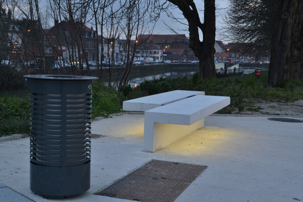 Led Line Concrete Bench With Integral Led Strip Lighting Urbastyle Esi External Works L