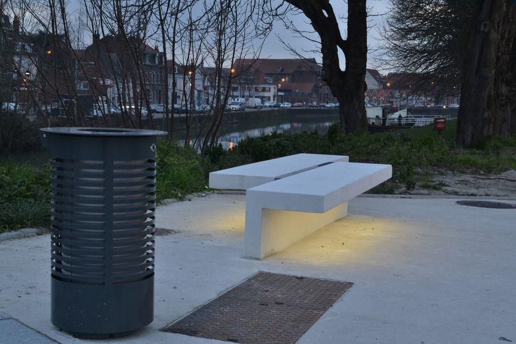 Led Line Concrete Bench With Integral Led Strip Lighting Urbastyle Esi External Works L