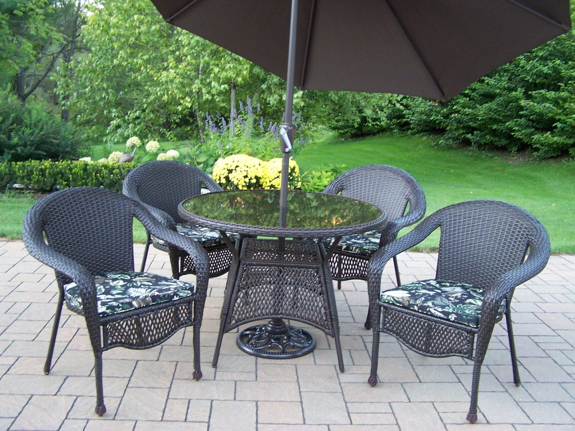 elite resin wicker 5 piece dining set with cushions and umbrella rh pinterest com