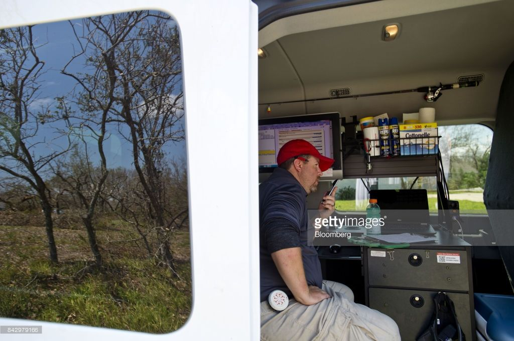 Adding Up The Price Of Tragedy In Storm Ravaged Texas Photos And Premium High Res Pictures Sprinter Van Texas