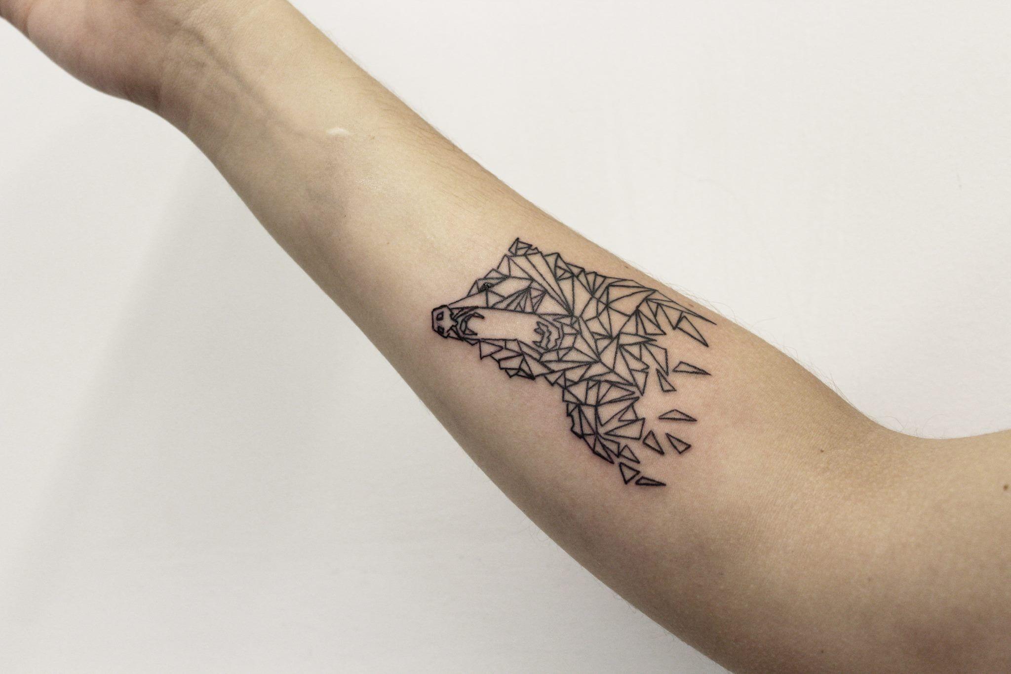 El Tatuaje Del Estudio Slow Hands En La Cdmx El Estilo Geométrico