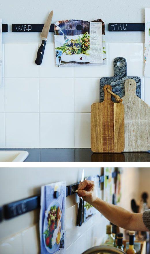 Une barre magnétique par jour de la semaine dans la cuisine - peinture ardoise  http://www.homelisty.com/barre-rail-magnetique-credence/