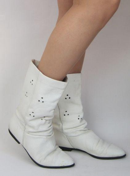 Vintage 1980s Flat White Leather Pixie