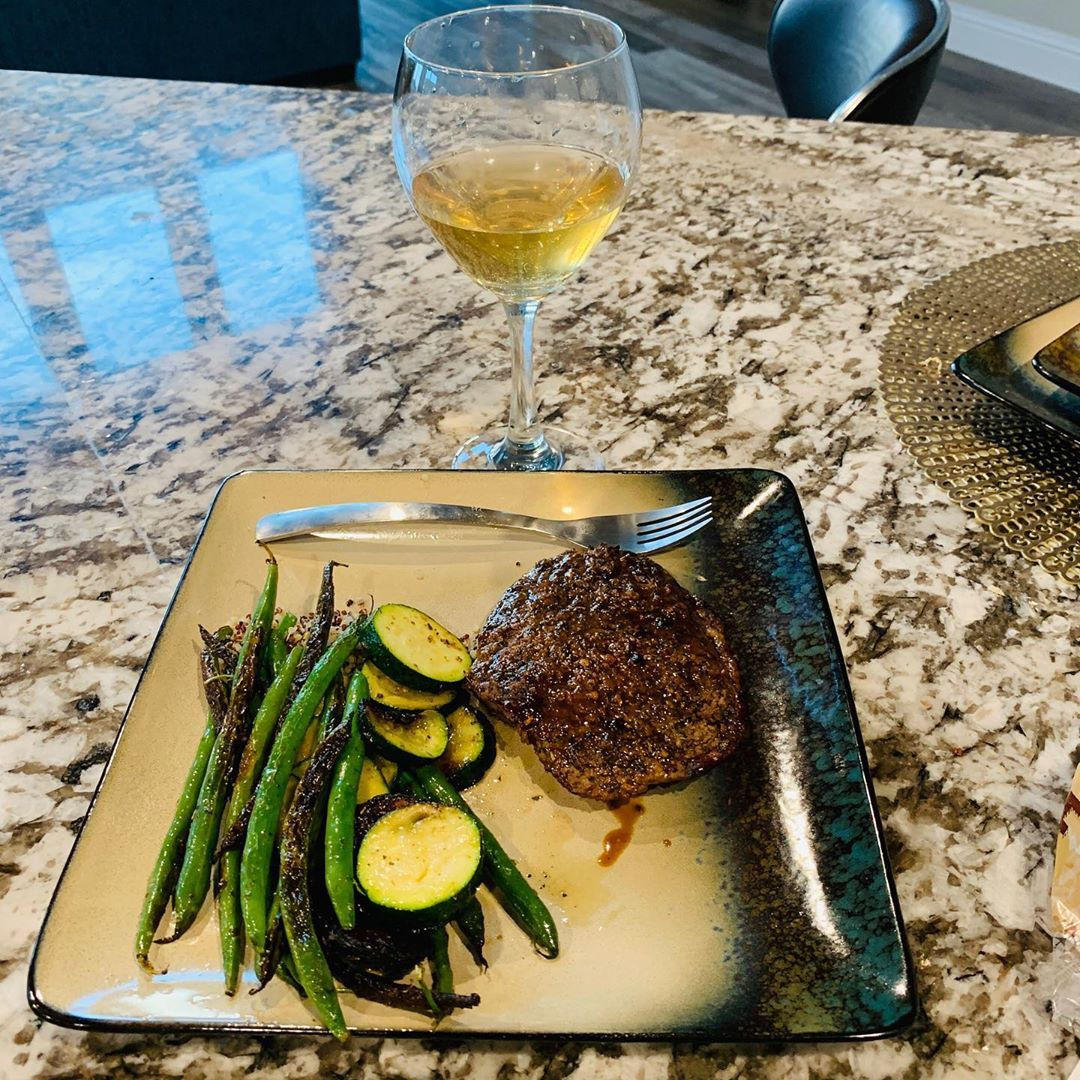 #mealprep#wine #steak #fitnessmodels #brandambassador #meal #gymmotivation #gymmodel #dallas #modelswanted #essentiawater  #alkalinewater #gymrat #healthyfood #healthfitness #lafitness #prospertx #wheyprotein #bcaas #fitnessmotivation #malemodels #protein #makavelimotivation #fitnessfreaks #gymlife #vegtables #dallasfitness #dfwfitmeals #homegymlife #fitnessmodel #wheyproteinrecipes