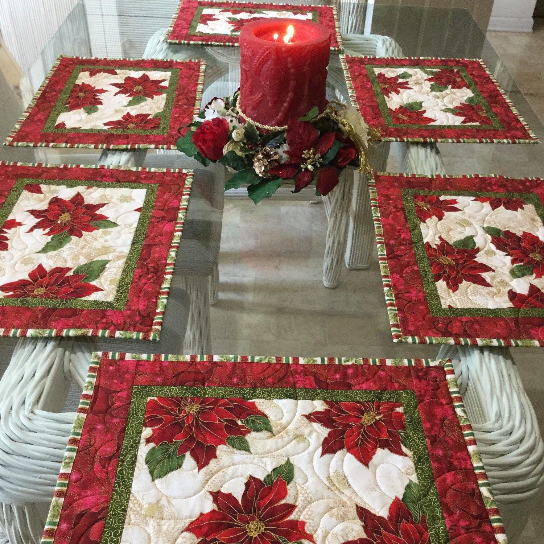 Christmas Placemats Quilted Placemats Poinsettia Placemats Etsy Colcha De Natal Padrao Da Toalha De Mesa Jogo Americano De Natal