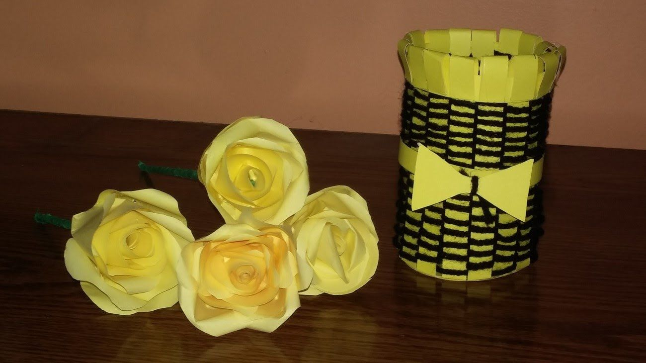 Make A Beautiful Vase Out Of Paper And Yarn Wool Diy Homemade Vase