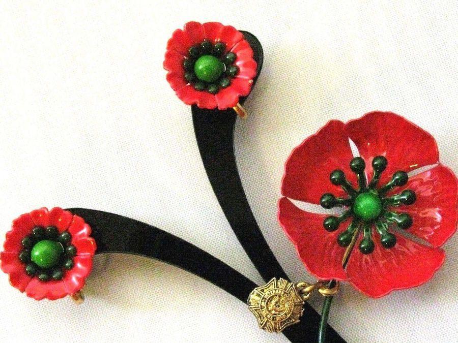 Vintage Red Poppy Flower Heavy Glazed Enamel Brooch Pin