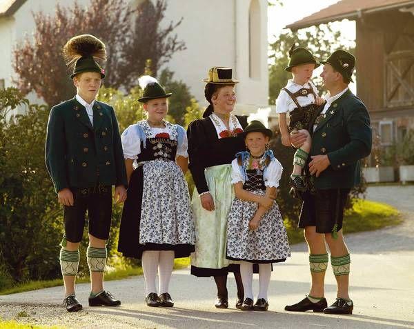 Die Tracht :: Chiemgau Alpenverband | Central DE S: BY ...