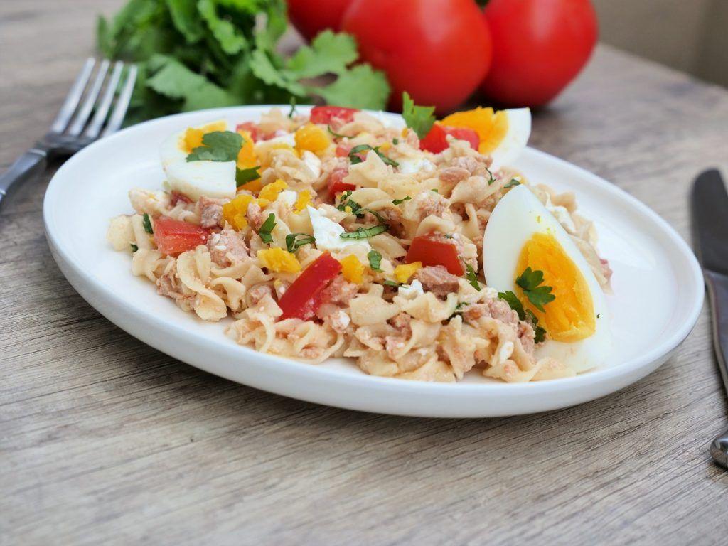 Idée Repas Light Salade de pâtes thon, œufs et tomates   Salade pates thon, Pates
