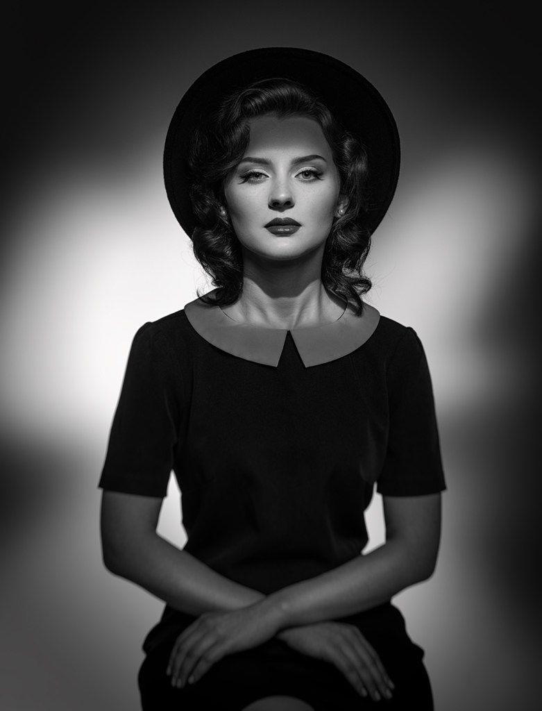 Black And White Retro Classic Portrait Of Elegant Woman In Hat And Dress Studio Shot Classic Portraits Portrait Shots Female Portrait