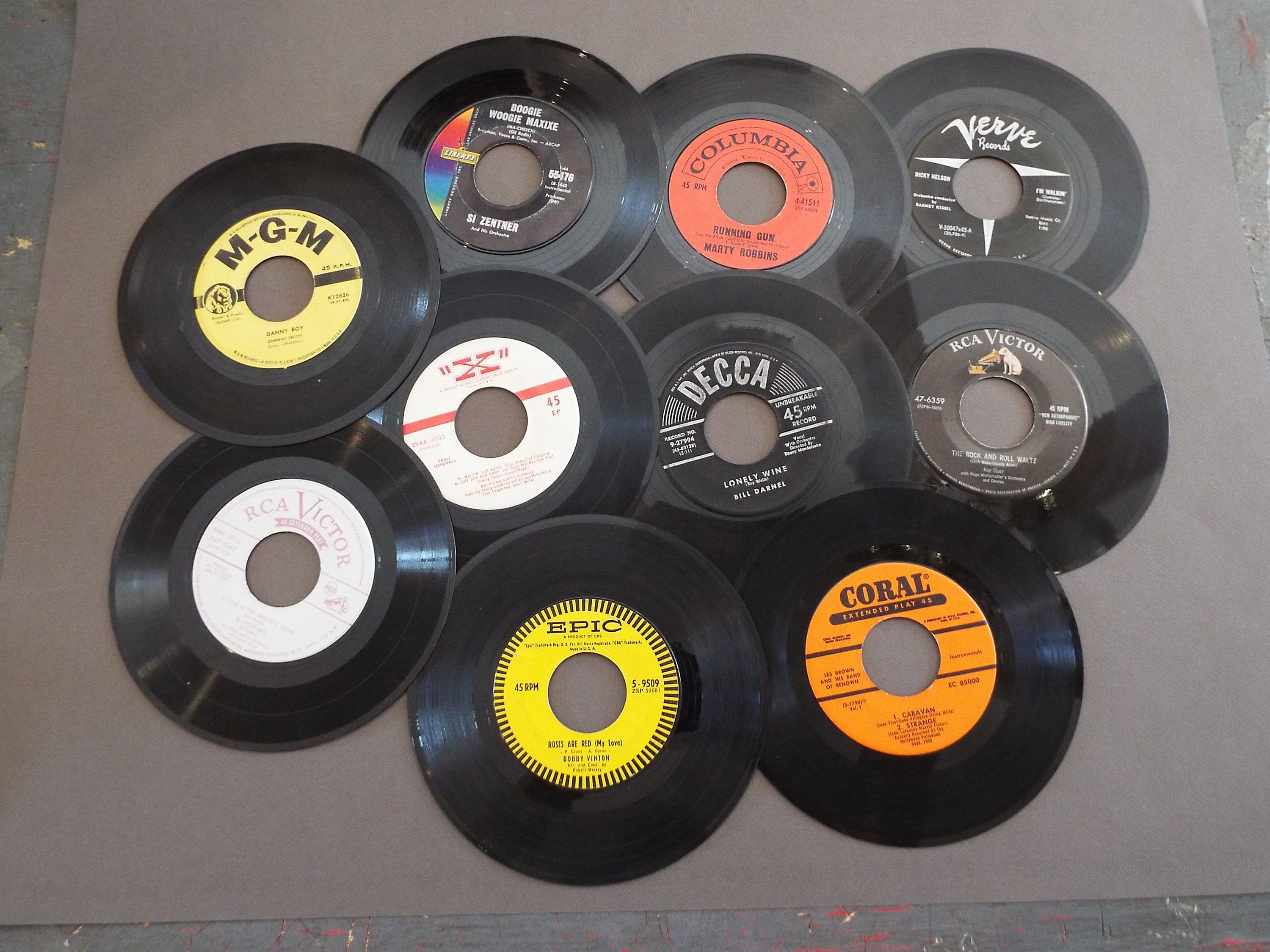 Lot Of 10 7 45 Rpm Vinyl Records For Crafts Etsy Vinyl Records Diy Vinyl Records Old Vinyl Records