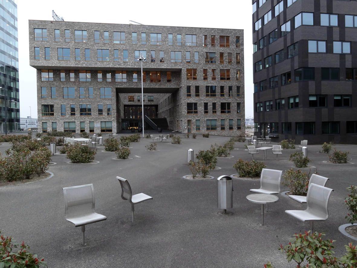Flight Forum Eindhoven Netherlands Sleek Steel Outdoor Office - Furniture forum