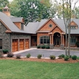 Courtyard garage house plans google search sevison for L shaped craftsman home plans