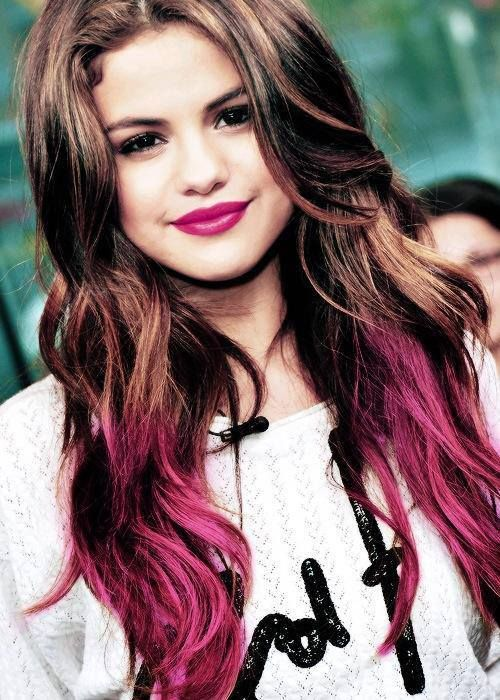 Selena Gomez Pink In Red Hair Color Selena Gomez Hair Hair Beauty
