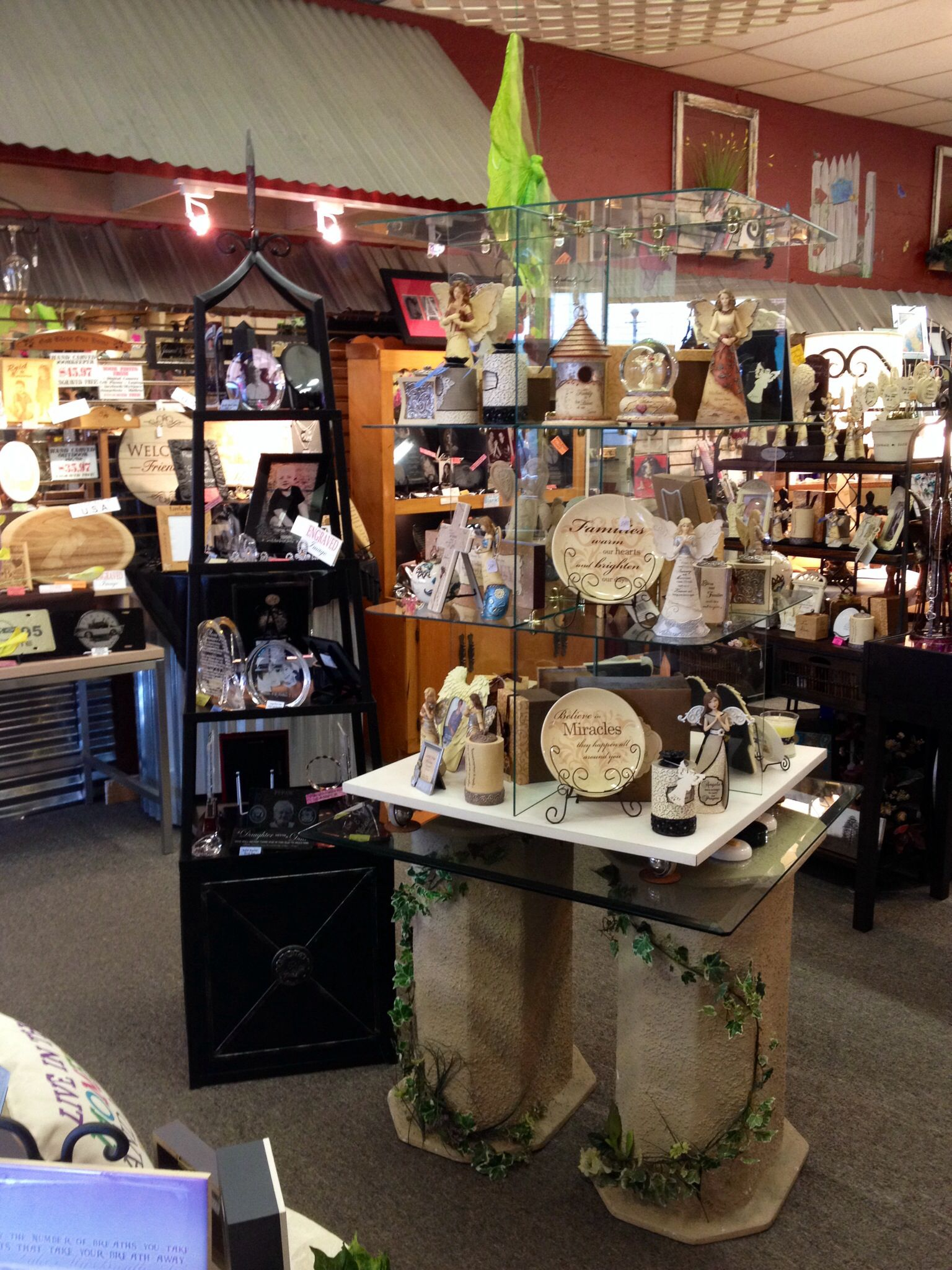 Visual Merchandising and gift shop retail displays