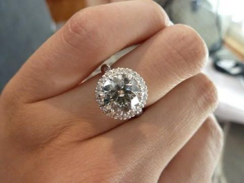 6 Carat Diamond Ring 6 Carat Diamond Ring Tiffany 6 Carat Diamond Ring Harry Round Halo Engagement Rings Engagement Rings Diamond Engagement Rings Vintage