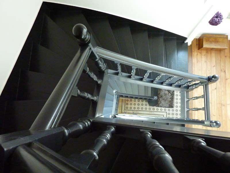 Escalier En Bois Peint. Elegant Escalier En Bois Peint En Gris Avec ...