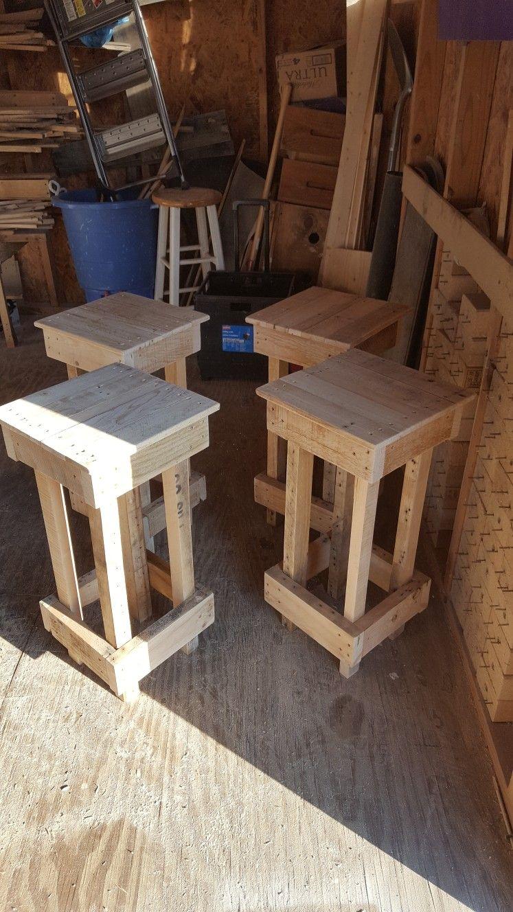 Pallet wood bar stools | Wood bar stools, Wood diy ...